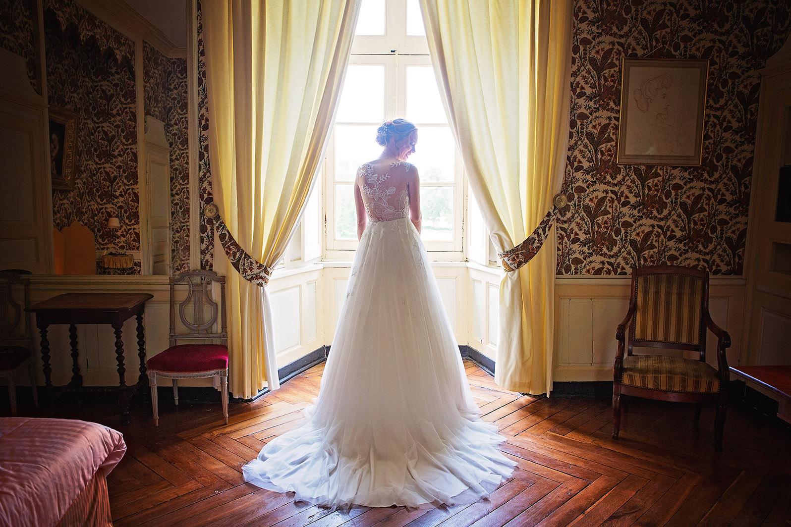 Photographe de mariage à Châteaudun. Reportage de mariage : les préparatifs de la mariée (par Aurélie Coquan photographe)