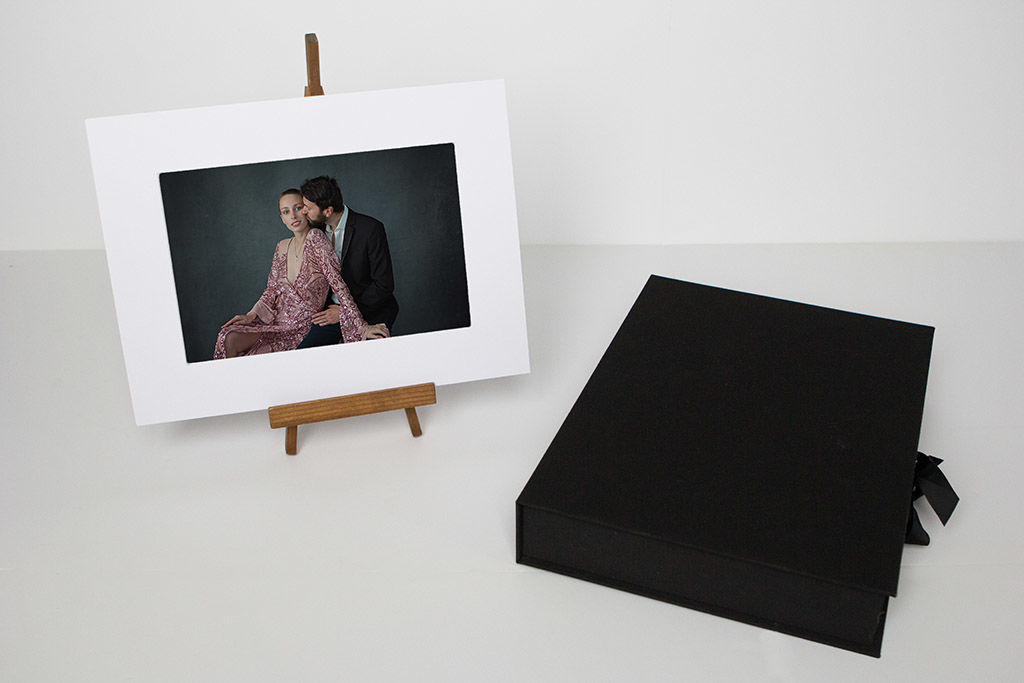 photo de couple glamour ; photo de couple en coffret | www.aureliecoquan.fr