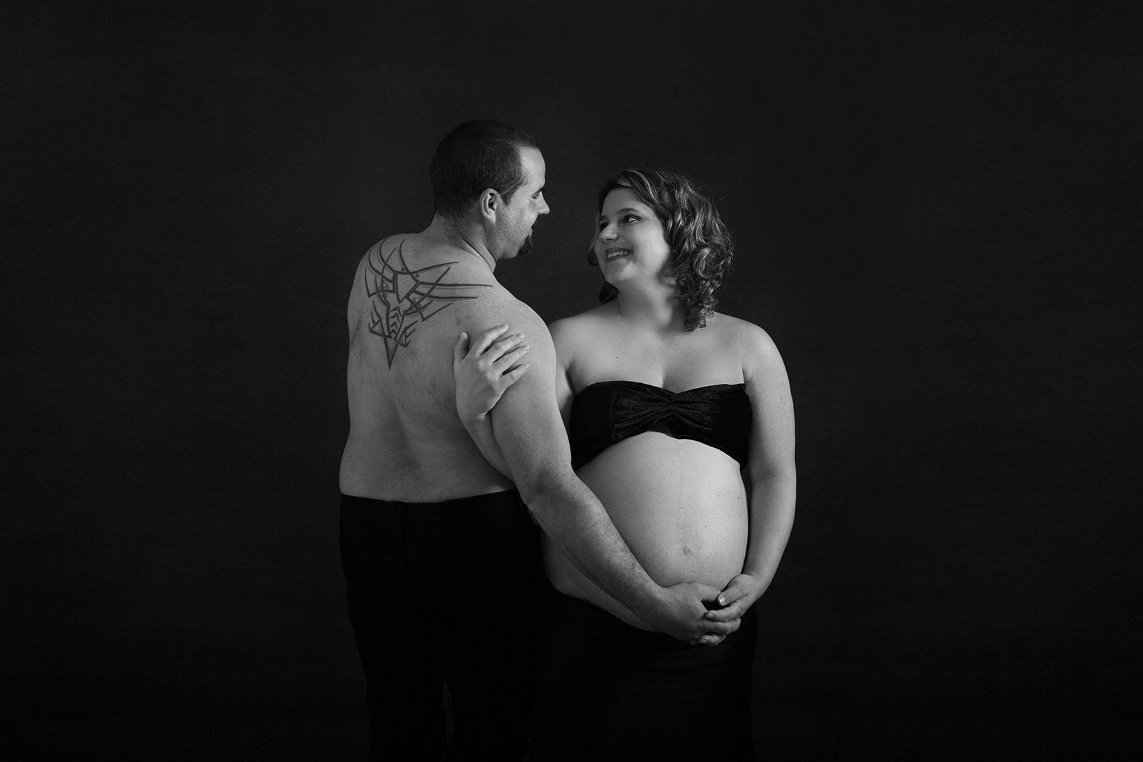 Shooting grossesse / femme enceinte en couple à Châteaudun Voves Bonneval Cloyes sur le Loir Brou