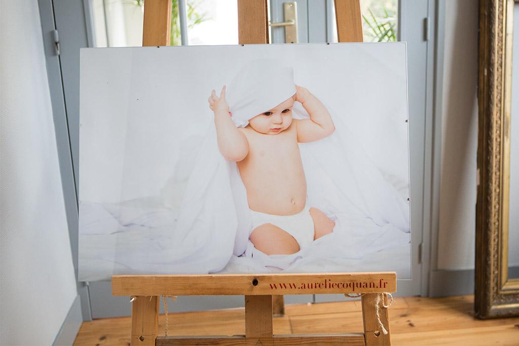 Bébé qui rit : séance photo à Châteaudun par Aurélie Coquan Photographe
